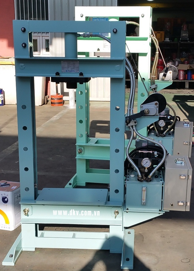 may ep thuy luc tonners dsp-100, tonners hydraulic press dsp-100, korea